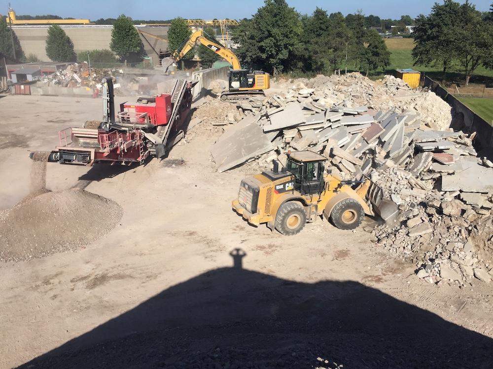 van de vorst, grondwerken, afbraakwerken, recyclage, containers, gladheidbestrijding onderschoeingen, kinrooi, molenbeersel